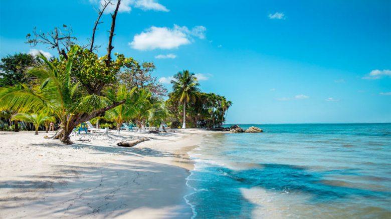 playa blanca en guatemala