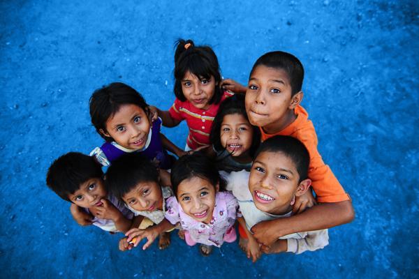 Niños de guatemala sonriend