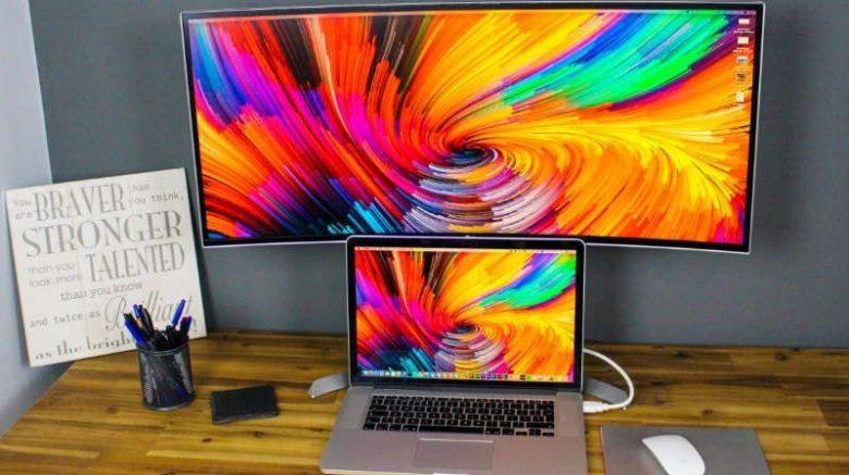 Macbook Pro con pantalla alterna