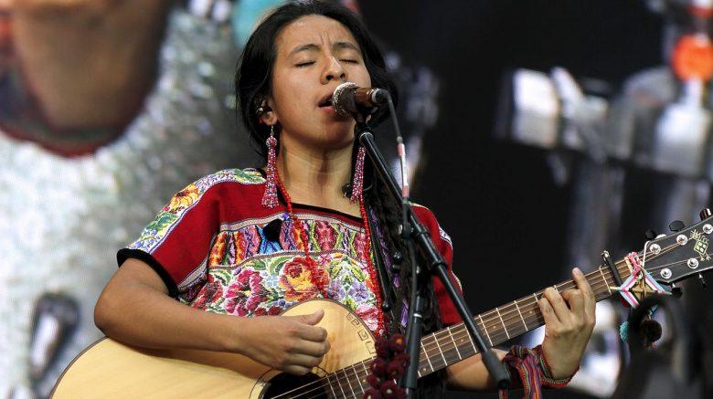 Sara curruchich alza la voz por los derechos indígenas