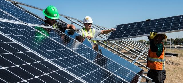 CMI instala paneles solares